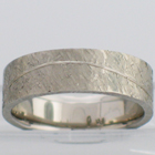 palladium extra-heavy flat band with lazy curved line and texturing-hammered finish